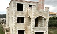 Συγκρότημα πέτρινων κατοικιών, υπό κατασκευή, περιοχή Άνω Σούλι, Μαραθώνας