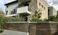 Μονοκατοικία σε μίνιμαλ γραμμές, Μαραθώνας
